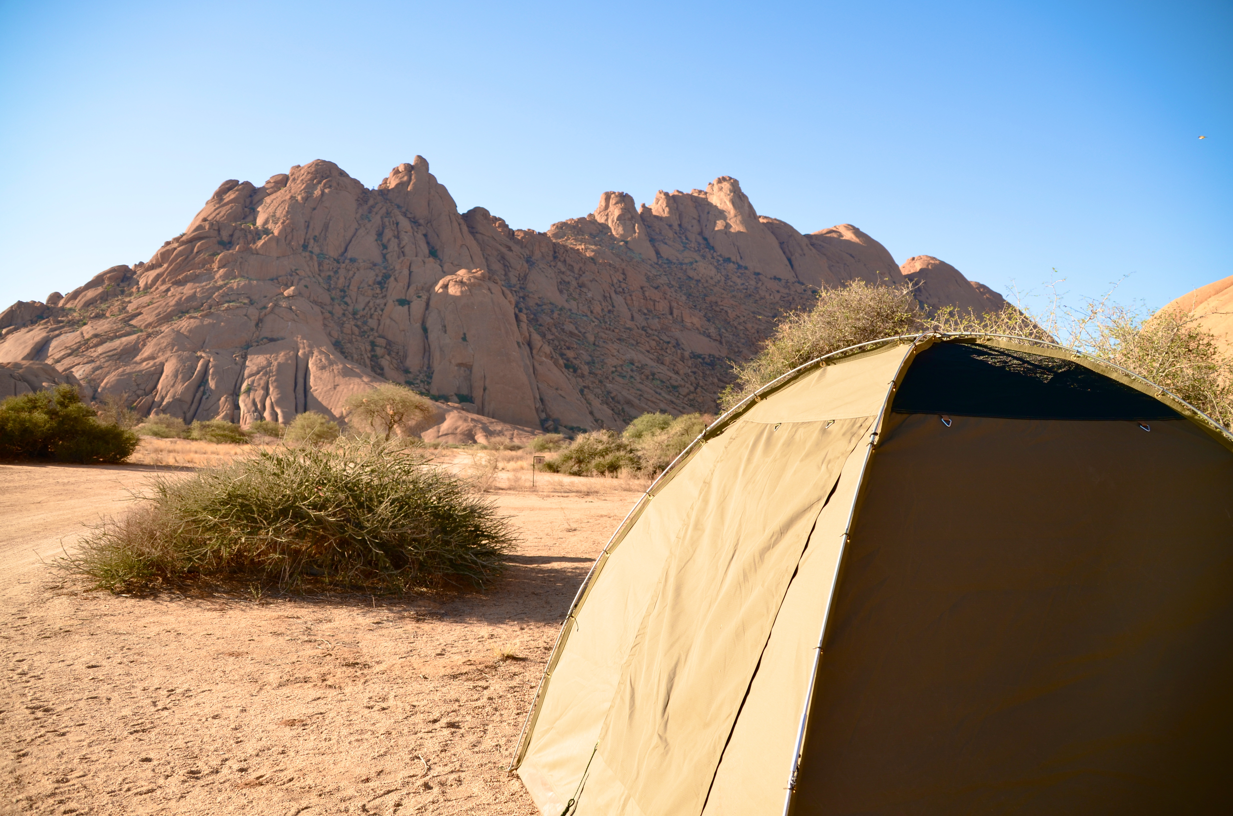 NAMIBIA 2. WEEK – SKYDIVING AND TALENT SHOW IN THE DESSERT